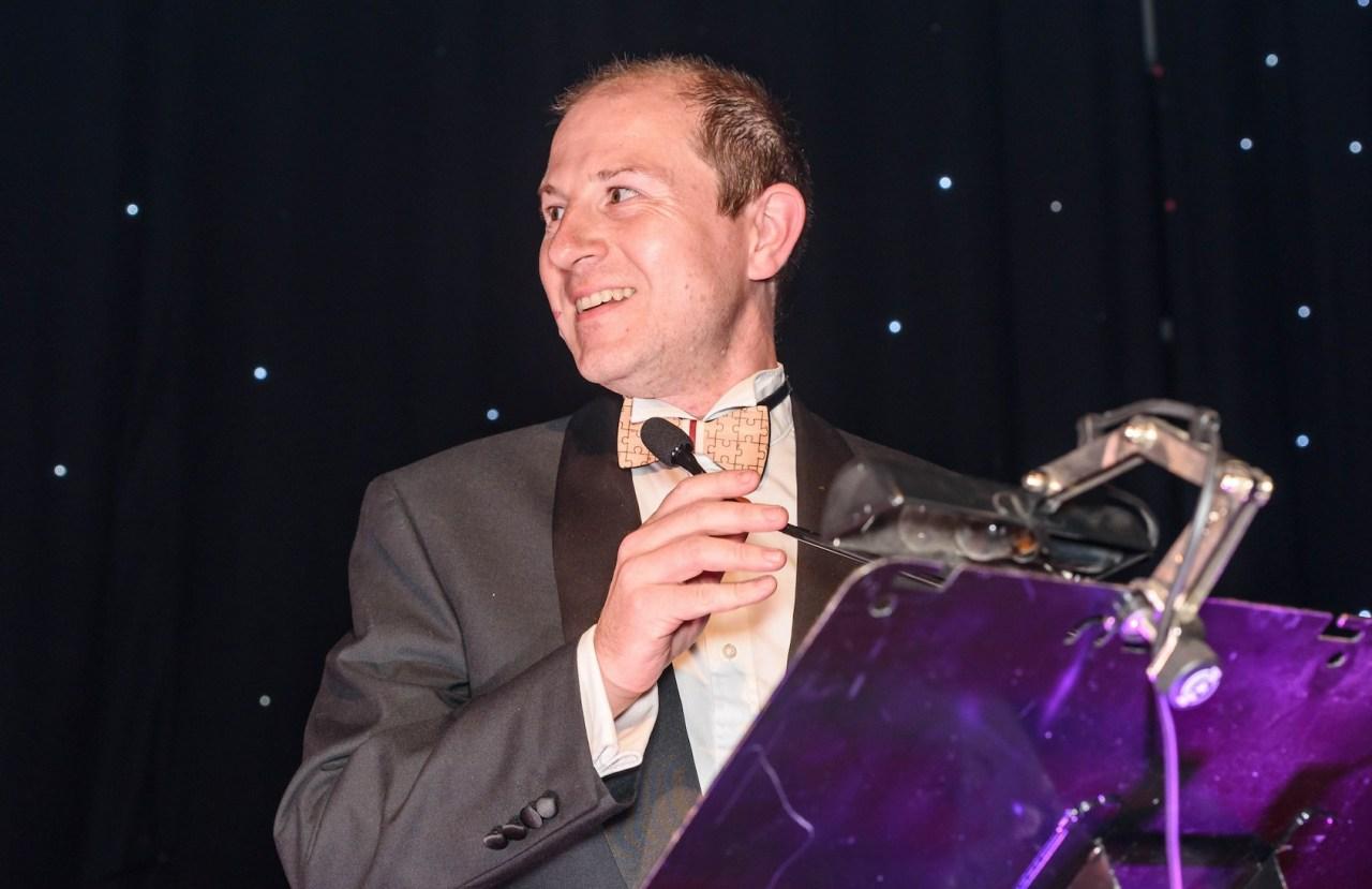 David winning award