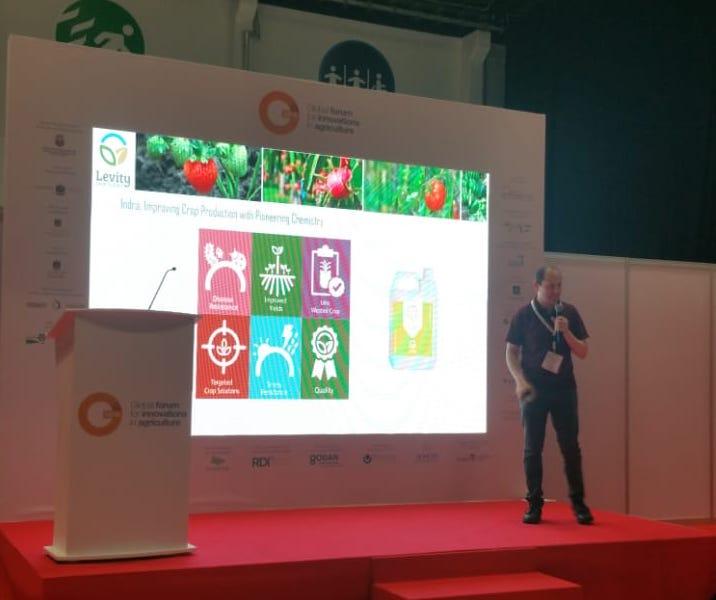 David giving talk in Abu Dhabi